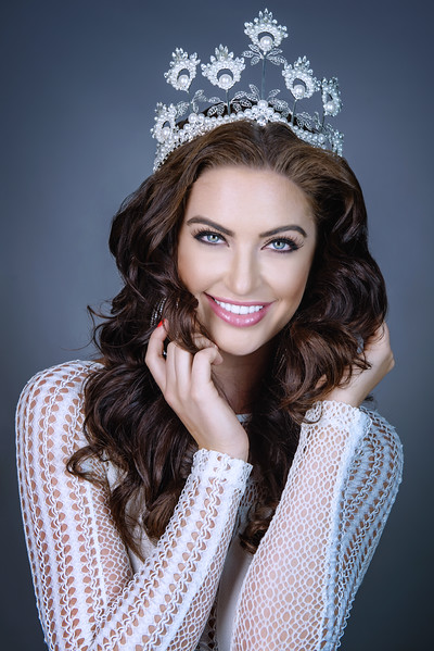 Dr. Gordon Chee dental patient Siera Bearchell, Miss Universe Canada winner